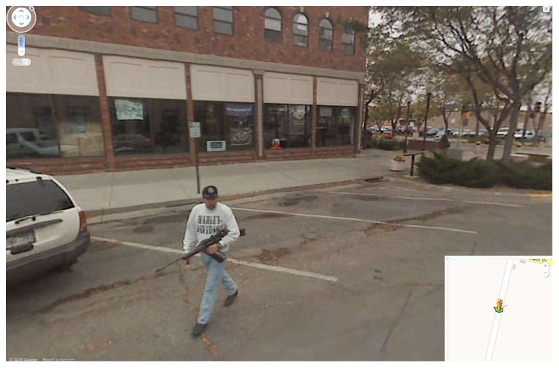 Google Maps: Mann mit Gewehr, überfahrenes Bambi - X O O M i X ...